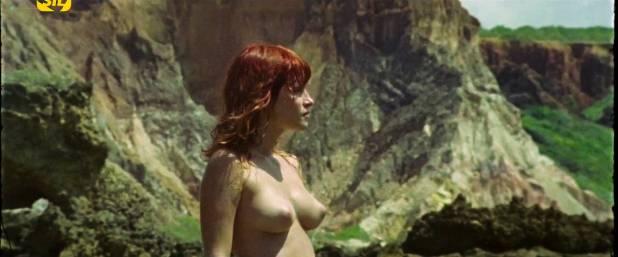Elisa Heidrich nude full frontal - Animal Politico (BR-2017) HDTV 720p (1)