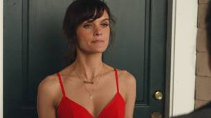 Frankie Shaw hot in lingerie and Raven Goodwin lingerie too - Smilf (2017) s1e5 HD 1080 Web (2)