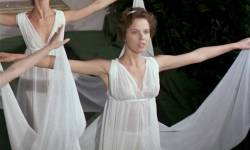 Greta Scacchi nude and Désirée Nosbusch nude topless - Good Morning, Babylon (IT-1987) (8)