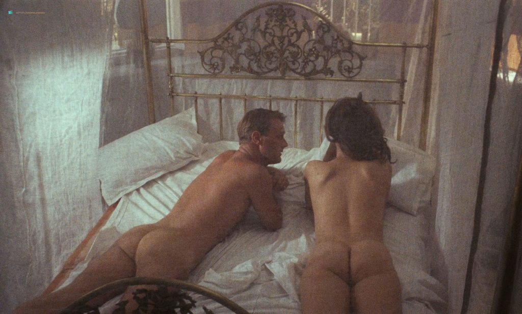 Greta Scacchi nude butt and boobs - Heat and Dust (UK-1983) HD 720/1080p BluRay (7)