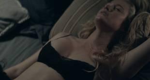 Jennifer Garner hot bra undies Maika Monroe hot some sex - The Tribes of Palos Verdes (2017) HD 1080p (3)