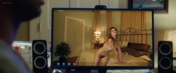 Leah McKendrick nude bush (merkin) and boobs Mila Kunis hot - Bad Moms (2016) 1080p BluRay (9)