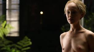 Lotte Verbeek nude butt and boobs - Outlander (2017) s3e12 HD 720 -1080p (6)