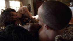 Shanola Hampton and Isidora Goreshter hot lesbian sex and threesome – Shameless (2017) s8e6 HD 1080p (10)