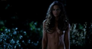 """Kelly Overton nude butt naked - [highlight color=""""red""""]True Blood (2012) s5e1 HD 1080p[/highlight]. Kelly Overton nude butt naked but still hiding her nipples. Like her a lot, she'snude but covered with her long hair. (7)"""