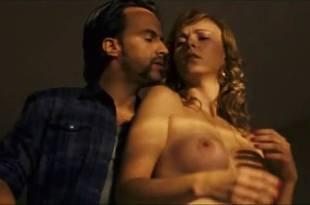 Daniela Faria nude topless and sex Flora Martínez hot and sexy – Arte de Roubar (PT-2008)