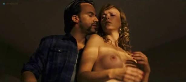 Daniela Faria nude topless and sex Flora Martínez hot and sexy - Arte de Roubar (PT-2008) (5)