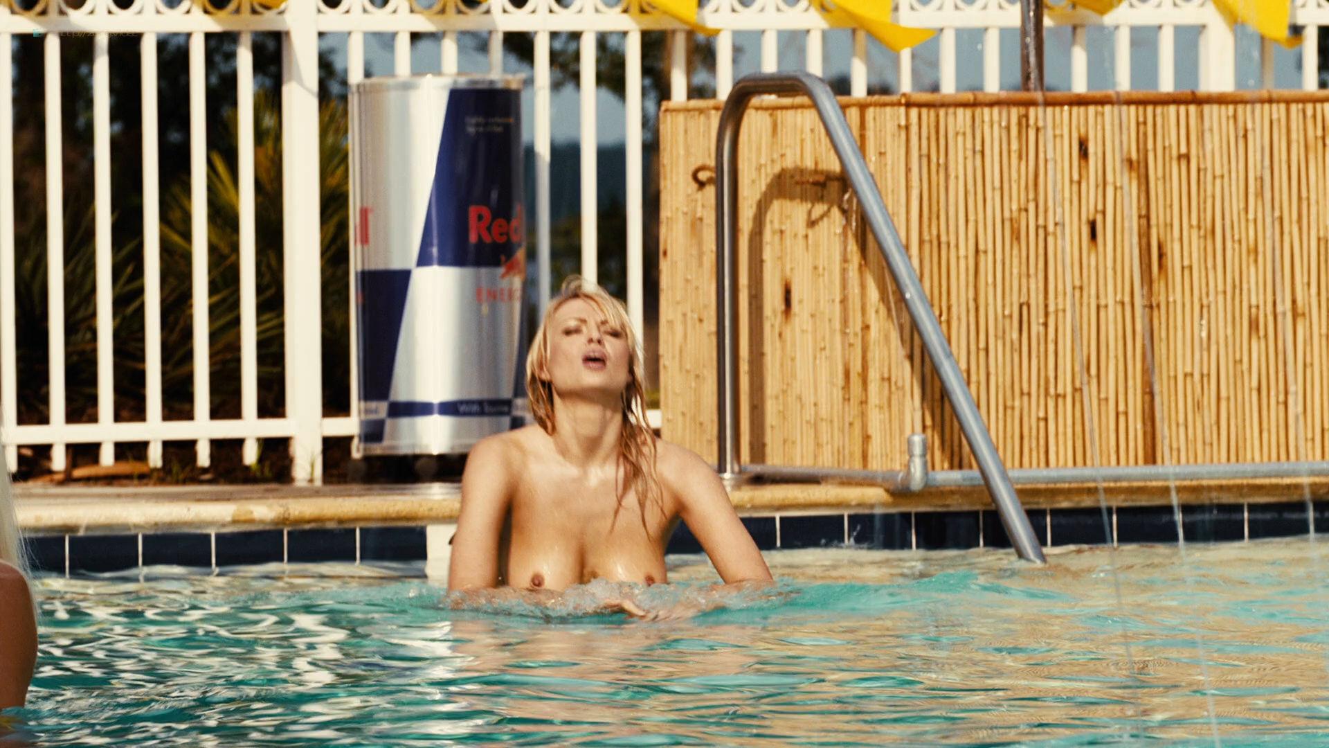 Irina Voronina full frontal nude Katrina Bowden hot - Piranha 3DD (2012) HD 1080p (17)