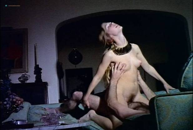 Louise Thompson nude full frontal Uschi Digard and Monica Gayle nude lesbian sex - Roxanna (1970) (8)