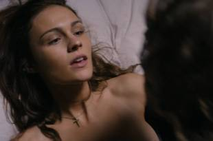 Sophie Skelton hot and sexy – Day of the Dead Bloodline (2018) HD 1080p
