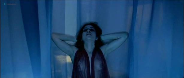 Alessandra Negrini nude butt Karine Carvalho and others nude too - Cleopatra (BR-2007) (6)