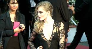Cara Delevingne hot and sexy - The Cara Project (2016) (13)