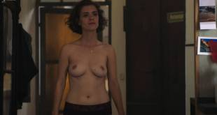 Liv Lisa Fries nude topless Sara Serraiocco nude topless lesbian sex - Counterpart (2018) s1e6 HD 1080p Web (4)