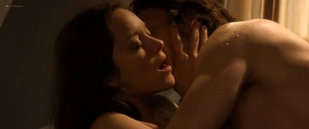 Marion Cotillard nude full frontal Alba Rohrwacher nude nipple - Les fantômes d'Ismaël (FR-2017) HD 1080p BluRay (6)