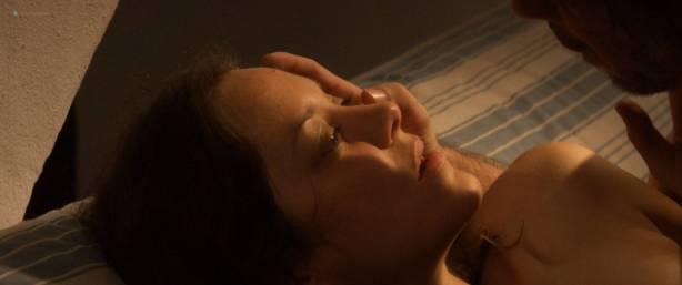 Marion Cotillard nude full frontal Alba Rohrwacher nude nipple - Les fantômes d'Ismaël (FR-2017) HD 1080p BluRay (5)