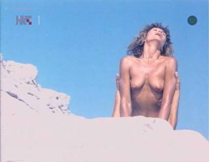Neda Arneric nude sex on the beach - Haloa - praznik kurvi (YU-1988) (9)