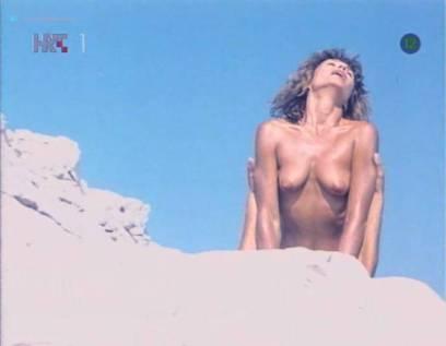 Neda Arneric nude sex on the beach - Haloa - praznik kurvi (YU-1988) (9)