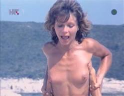 Neda Arneric nude sex on the beach - Haloa - praznik kurvi (YU-1988) (5)