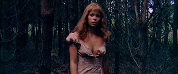 Neda Arneric nude skinny dipping and some sex - Venom (DE-1971) (6)