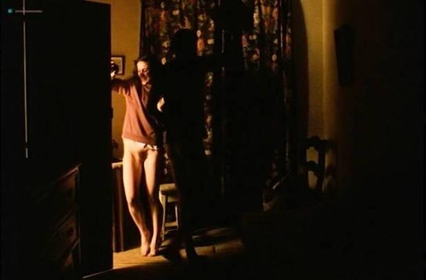 Teresa Madruga nude full frontal and some sex - Dans la ville blanche (PT-1983) (10)