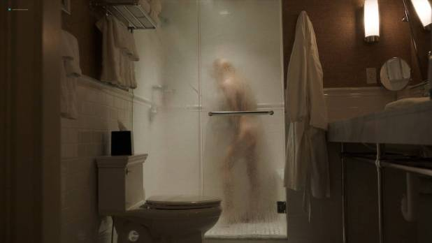 Keri Russell nude but covered in shower - The Americans(2018) S06E01 HD 1080p WEB (7)