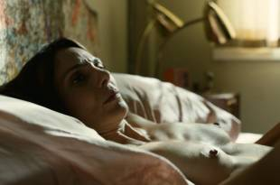 Annie Parisse nude topless and sex and Ella Rae Peck sex – The Looming Tower (2018) s1e8 HD 1080p