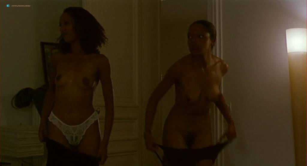 Chiara Mastroianni nude topless and sex other nude bush - N'oublie pas que tu vas mourir (FR-1995) (9)