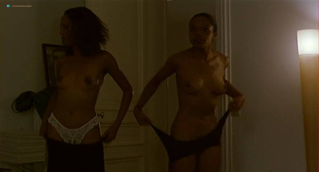 Chiara Mastroianni nude topless and sex other nude bush - N'oublie pas que tu vas mourir (FR-1995) (8)