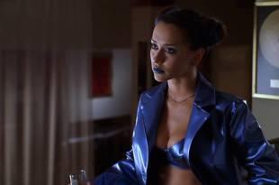 Jennifer Love Hewitt hot cleavage and Amy Brenneman sexy - The Suburbans (1999) HD 1080p Web (3)