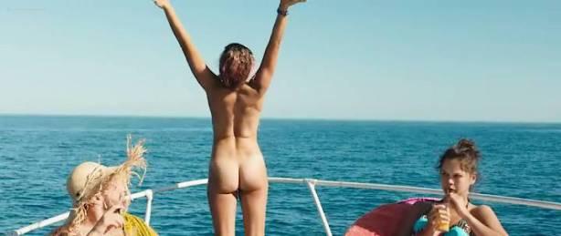 Lou Chauvain nude topless Alma Jodorowsky hot bikini - Juillet Août (FR 2016) (7)