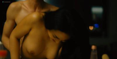 Mai Duong Kieu nude sex Paula Beer, Mathilde Irrmann, and others nude too - Bad Banks (2018) s1 HD 720p (17)