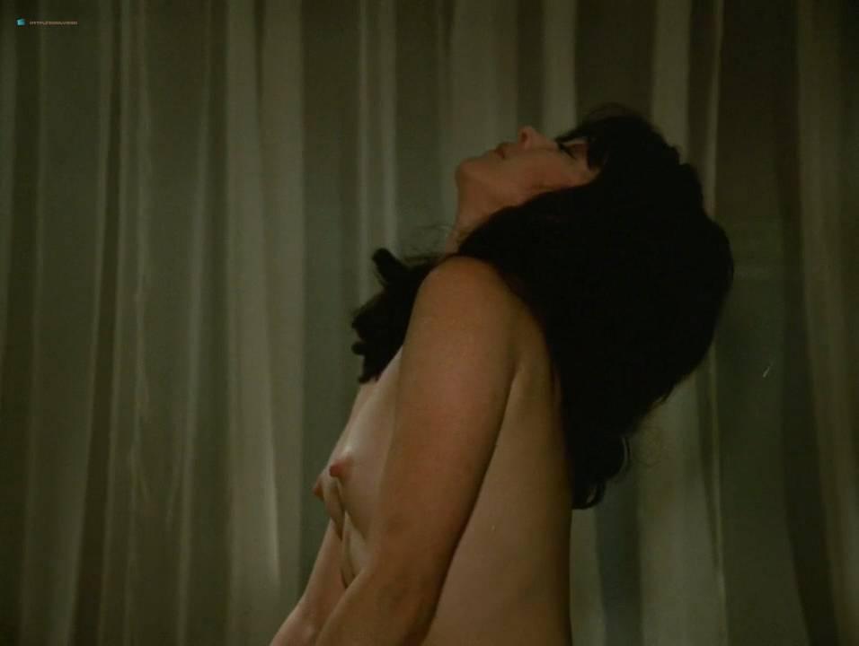 Lilian Lemmertz nude sex and Kate Hansen nude sex threesome - As Deusas (BR-1972) 720p (10)