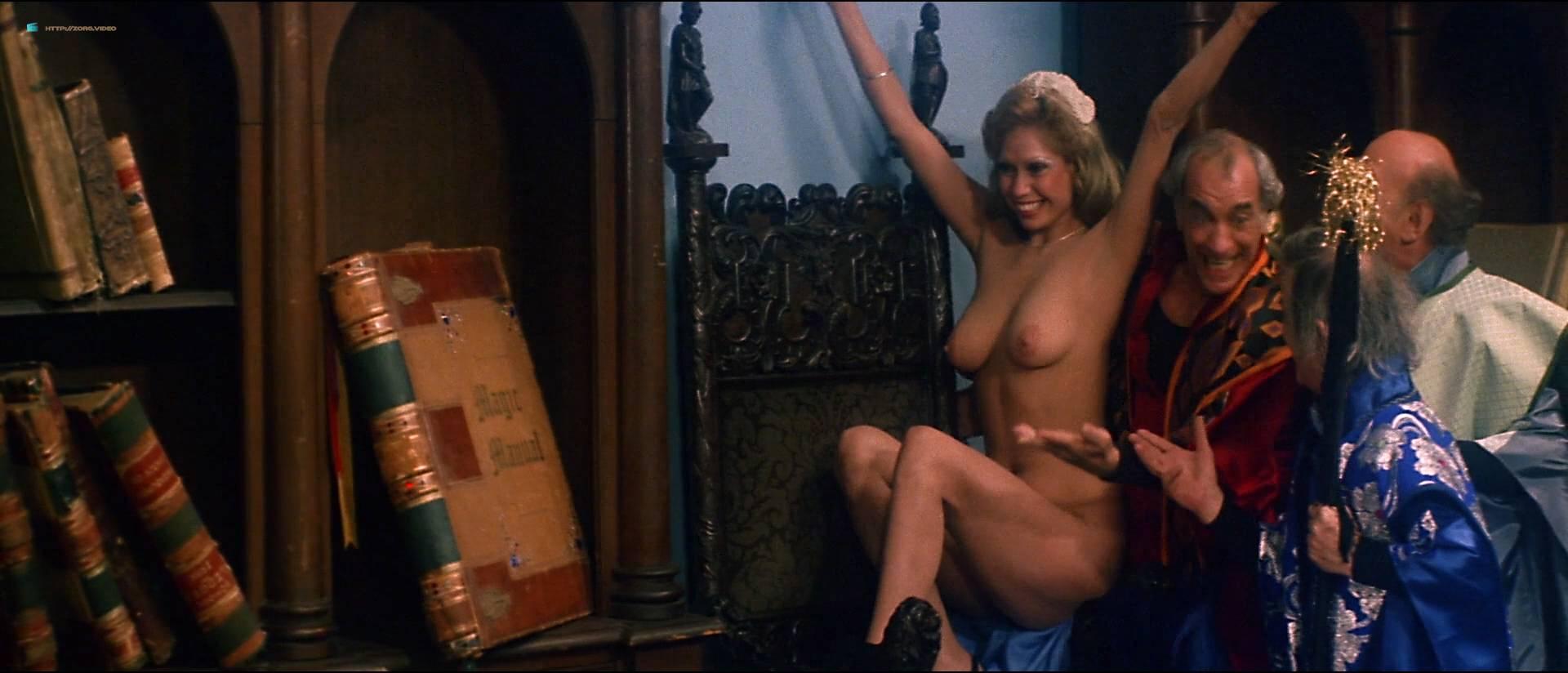 Linnea Quigley Nude Bush Angela Aames Nude Full Frontal -8194