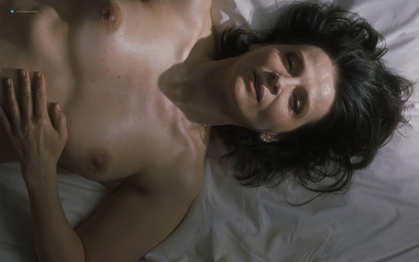 Juliet Tondowski  nackt