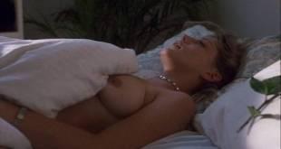 Kari Wuhrer nude Farrah Forke nude lesbian sex - Kate's Addiction (1999) (5)