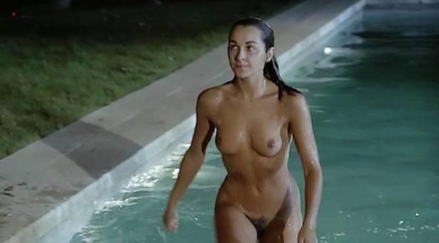 Adriana Vega nude full frontal - Cuatro mujeres y un lío (ES-1985) (3)