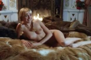 Ursula Buchfellner nude lot of sex Corinne Clery and Adriana Vega nude sex too – Last Harem (1981)