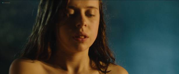 Bel Powley nude nip slip in the tube and sexy - Wildling (2018) Hd 1080p WEB (3)