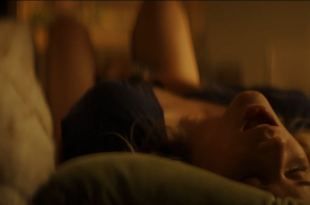 Elizabeth Lail hot some sex and sexy masturbating – You (2018) s1e1 720p