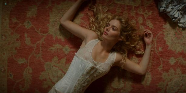 Lily Sullivan nude butt, Samara Weaving, Madeleine Madden nude butt and hot - Picnic at Hanging Rock (2018) S01 HD 1080p (4)