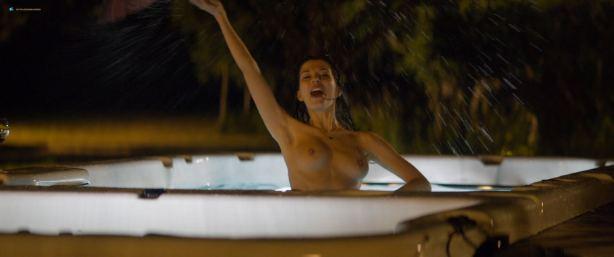 Sarah Bonrepaux nude topless in the pool and Alice David hot bikini - Monsieur Je-Sais-Tout (FR-2018) HD 1080p Web (8)
