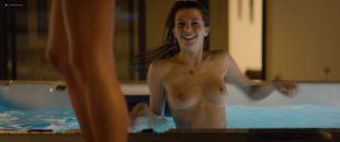 Sarah Bonrepaux nude topless in the pool and Alice David hot bikini - Monsieur Je-Sais-Tout (FR-2018) HD 1080p Web