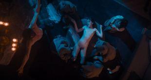Clémentine Poidatz nude full frontal sex threesom Alicia Kapudag sex - Housewife (2017) HD 1080p Web (8)