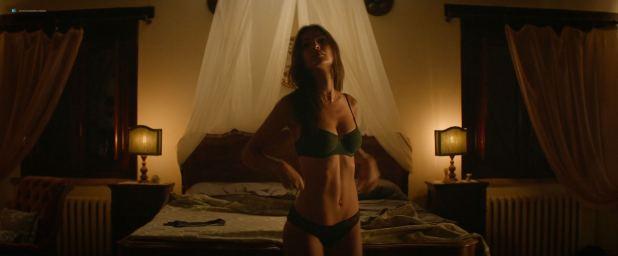 Emily Ratajkowski hot and sexy - Welcome Home (2018) HD 1080p web (9)