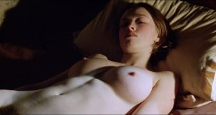 Lara Belmont nude bush and topless Tilda Swinton, Aisling O'Sullivan nude too - The War Zone (1999) HD 1080p Web (10)
