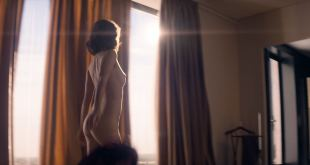 Mélanie Bernier nude butt Sveva Alviti hot and Clémence Faure topless - Love Addict (FR-2018) HD 1080p (11)