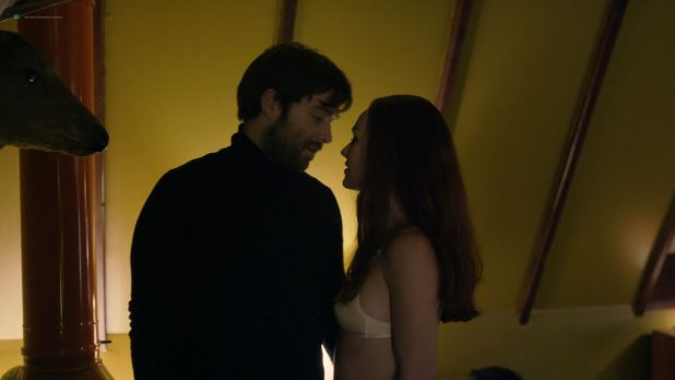 Sophie Skelton hot in bra and sexy - Outlander (2018) s04e03 HD1080p (5)