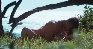 Charlotte Best nude topless and sex on the beach - Tidelands (AU-2018) s1-e5-8 HD 1080p (8)