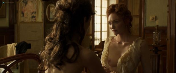 Keira Knightley nude topless and lesbian sex with Eleanor Tomlinson - Colette (2018) HD 1080p (8)