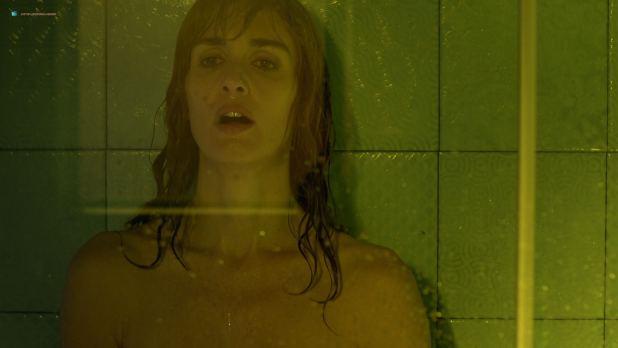 Paz Vega nude brief topless in the shower - Fugitiva (2018) s1e2 HD 1080p (2)